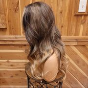 {Melanie} Brown Golden Blonde Ombre Long Straight Wig