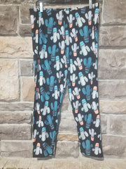 LEG-V  {Prickly Pair} Cactus Print Capri Leggings EXTENDED PLUS SIZE 3X/5X