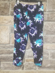 Leg-7 {Bloom At Midnight} Flower Capri Capri Legging EXTENDED PLUS SIZE 3X/5X