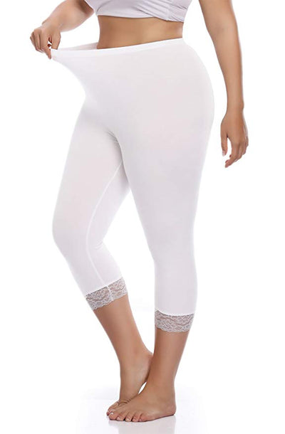 SQ/40 WHITE LACE HEM Capri Leggings (Cotton-Spandex)