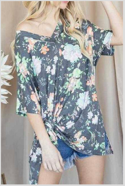 62 PSS-L {Stay Awhile} Gray Floral V-Neck Top PLUS SIZE XL 2X 3X