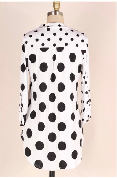 PQ-O {Seeing Spots} Ivory/Black Polka-Dot V-Neck Top