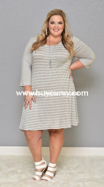 Cp-E/q {Simple Beauty} Extended Plus Gray Striped Dress Contrast