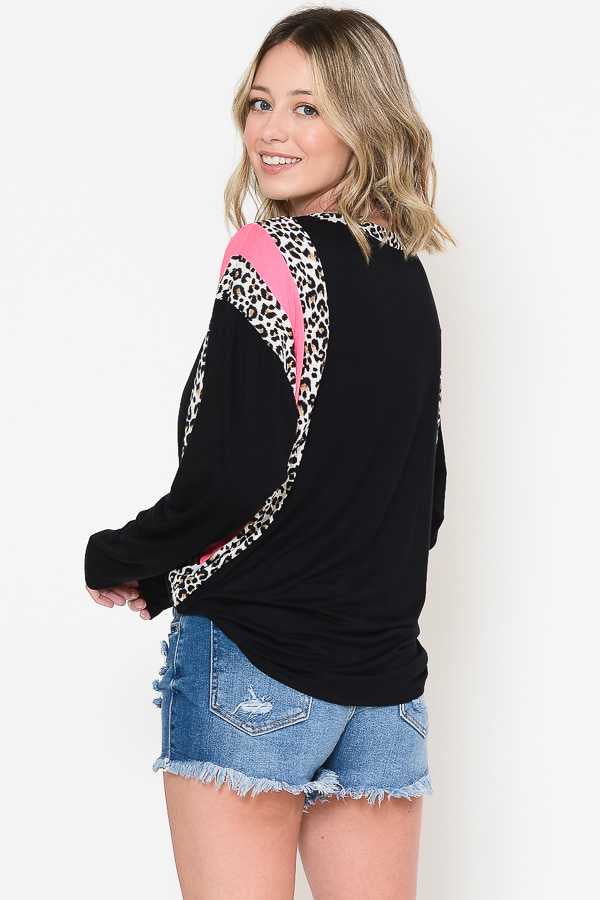 11-03 CP-L {Lucky In All} Black Pink Leopard Detail Top PLUS SIZE XL 2X 3X