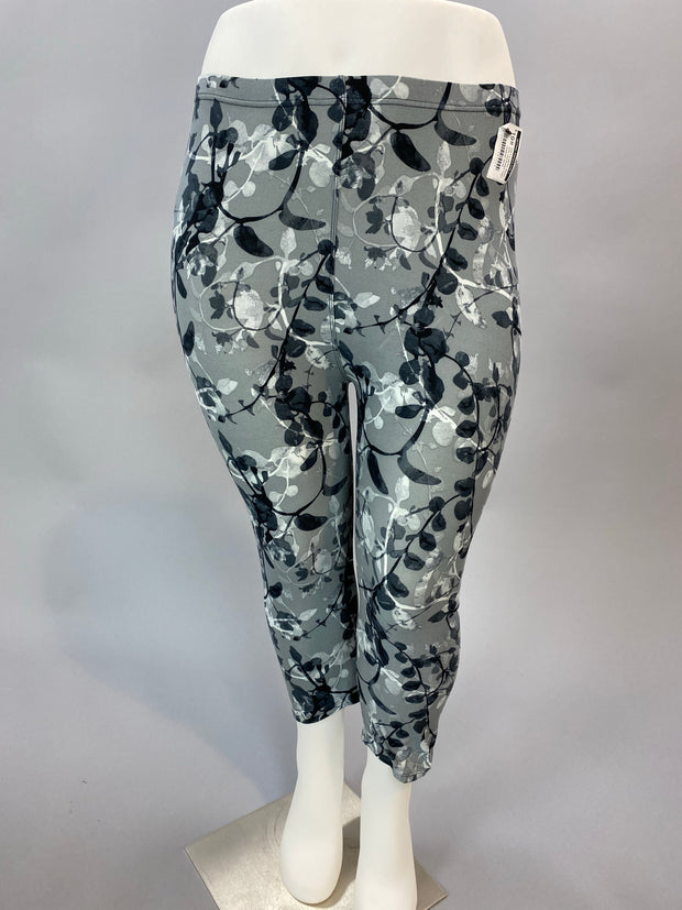 LEG-A  {Leaf Me Alone} Grey Leaf Pattern Capri  Leggings EXTENDED PLUS SIZE 3X/5X
