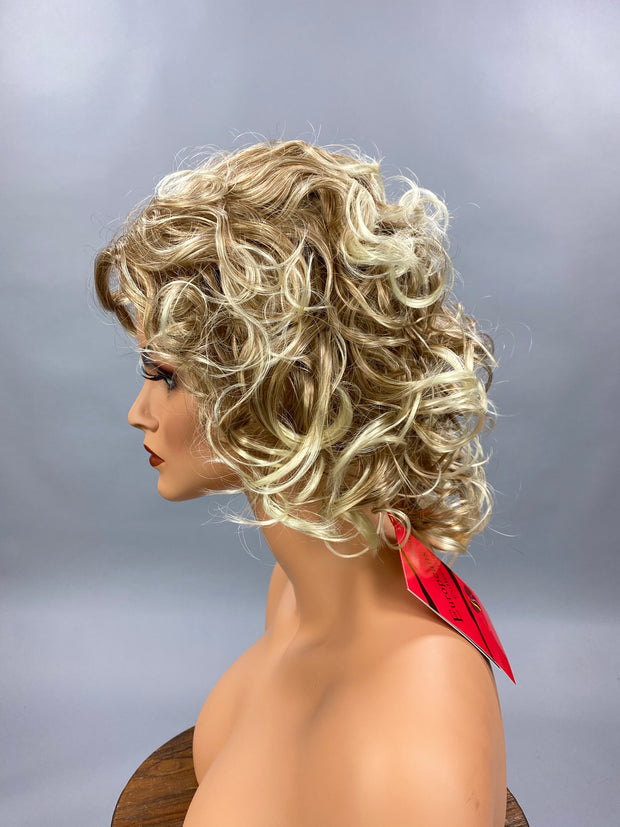 {Madison} Blonde Blend Short Spiral Curl Wig