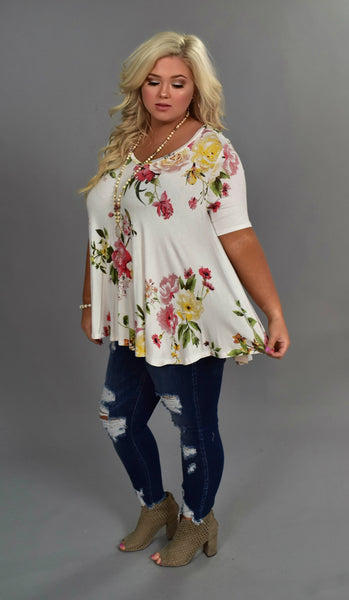 PSS-R {Dream On} Ivory V-Neck Loose-Fitting Floral Top Extended Plus