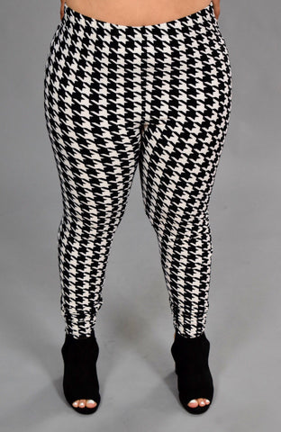LEG/E {She's Classic} Houndstooth Leggings {Extended Plus}