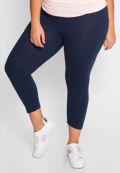 PLS/6- YELETE Navy Capri Leggings (92 Poly 8 Spandex)