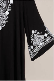 45 SD-A {Loud & Clear} Black & White Embroidery Detail Tunic Extended Plus 4X 5X 6X