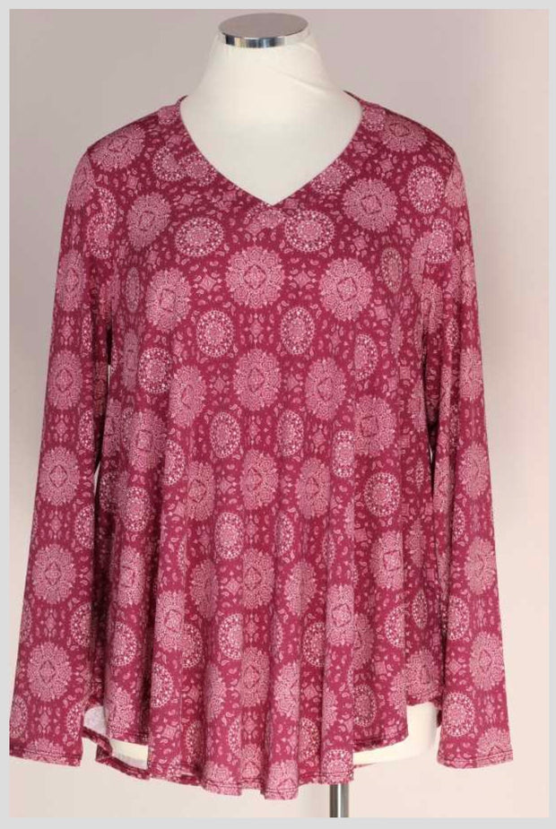 PLS-A {It's Plum-Tastic} Plum Ivory Medallion Print V-Neck Tunic *SALE!!* EXTENDED PLUS SIZE 3X 4X 5X