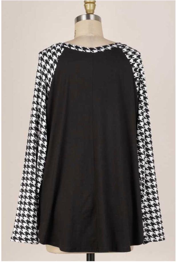 11-14 CP-C {Clever Idea} Black White Houndstooth Top PLUS SIZE 2X 3X 4X