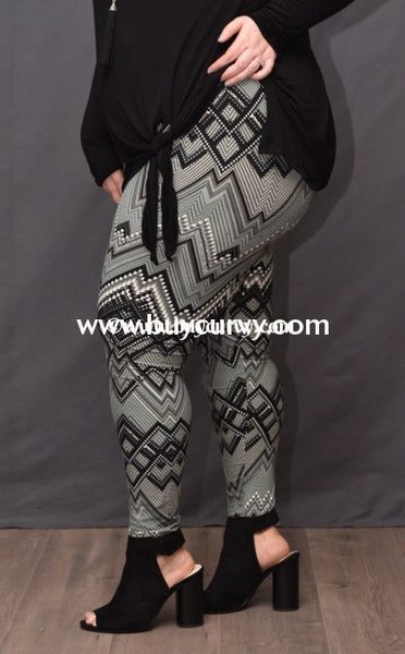 Leg/pss- {Extended Plus} Gray Zig Zag Printed Leggings (Soft)