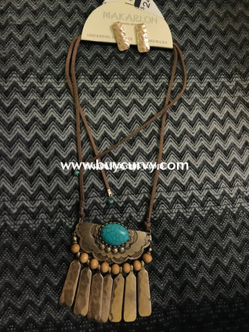 Nc-B Teal Gold Hammered Dangle Necklace
