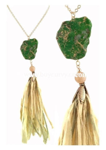 Nc-C Gold Necklace With Stone And Spring Green Fringes