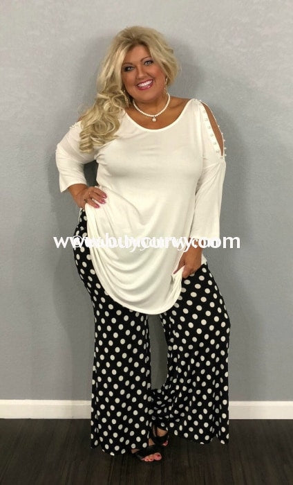 Ocs-E Elegant Ivory Tunic With Cold Shoulder And Pearl Detail {Extended Plus Sizes Available} Open