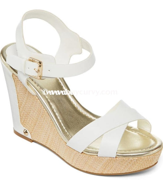 Shoes-Ff- Liz Claiborne Ivory With Gold Sale! Shoes