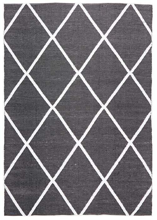Coastal Black Diamond Pattern