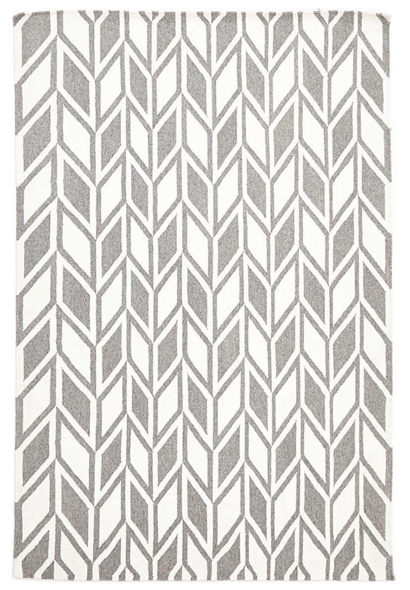 scandinavian grey rug diamond pattern