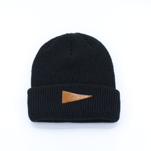 Boro Leather Patch short Beanie (black)