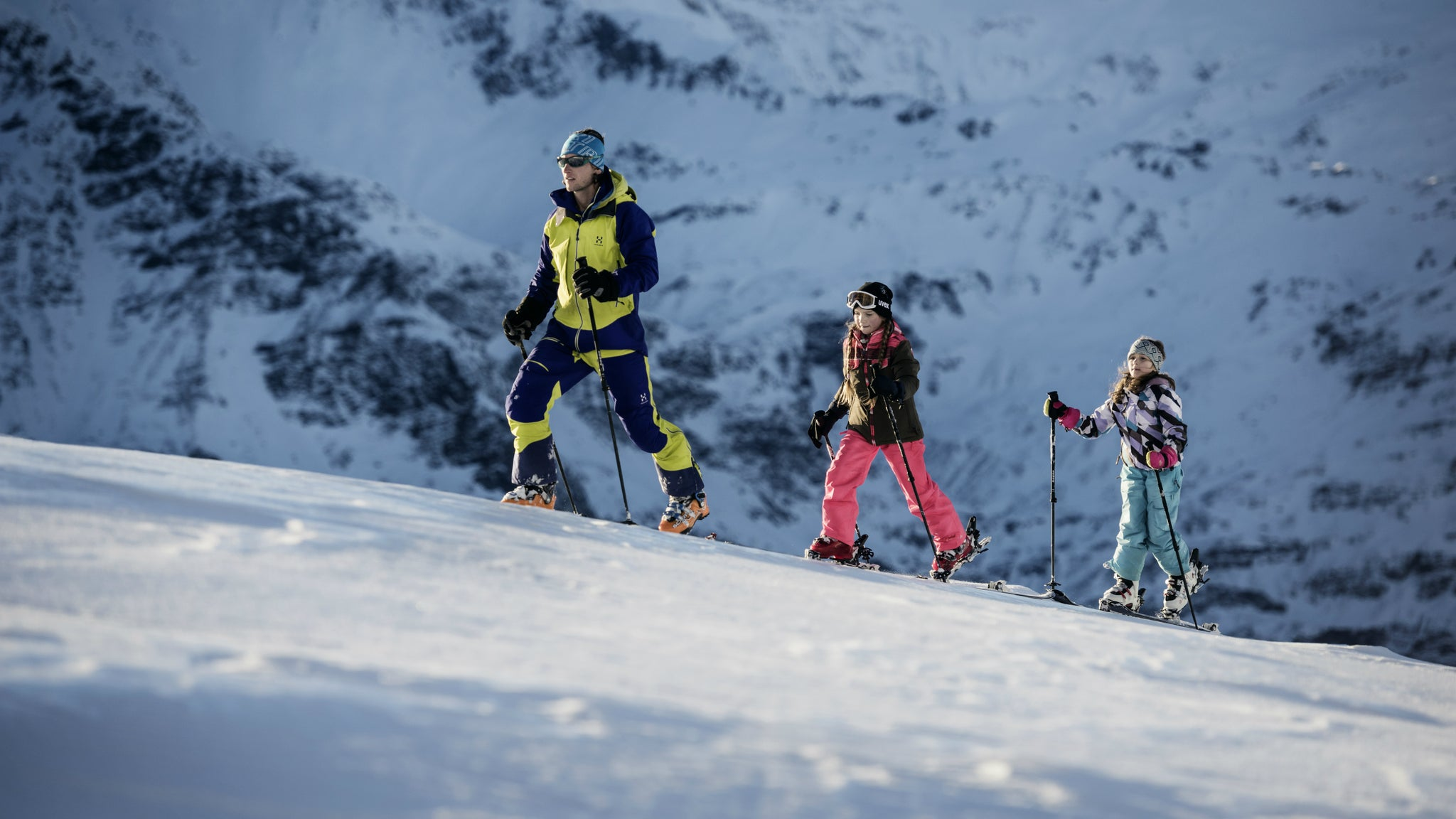 Kids ski touring on the Hagan Sky Force Junior alpine touring ski.