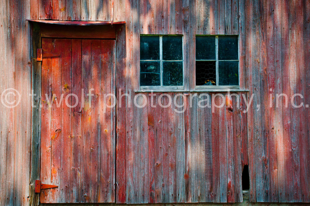 NE 019 - Barn Door Shadows