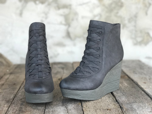 Sorano Short Wedge Bootie