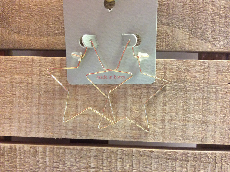 Small gold star earrings
