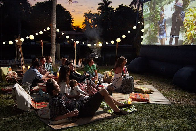 10 Tips for a Successful Outdoor Movie Night