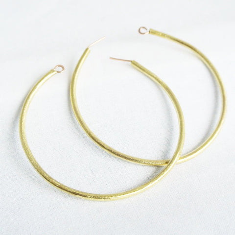 Shawny - Classic Gold Hoop Earrings - The Pink Locket - 1