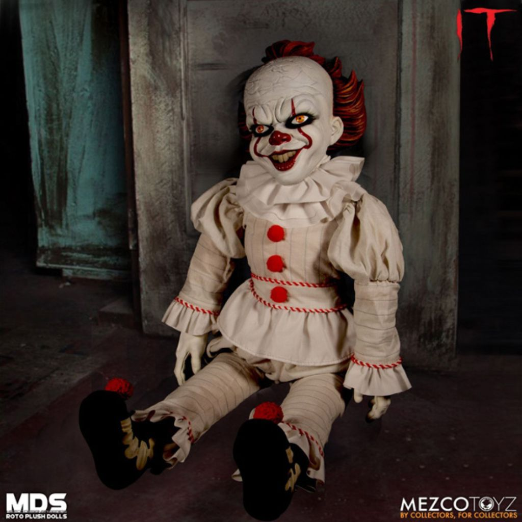 Mezco Designer Series Roto Plush - IT (2017): Pennywise