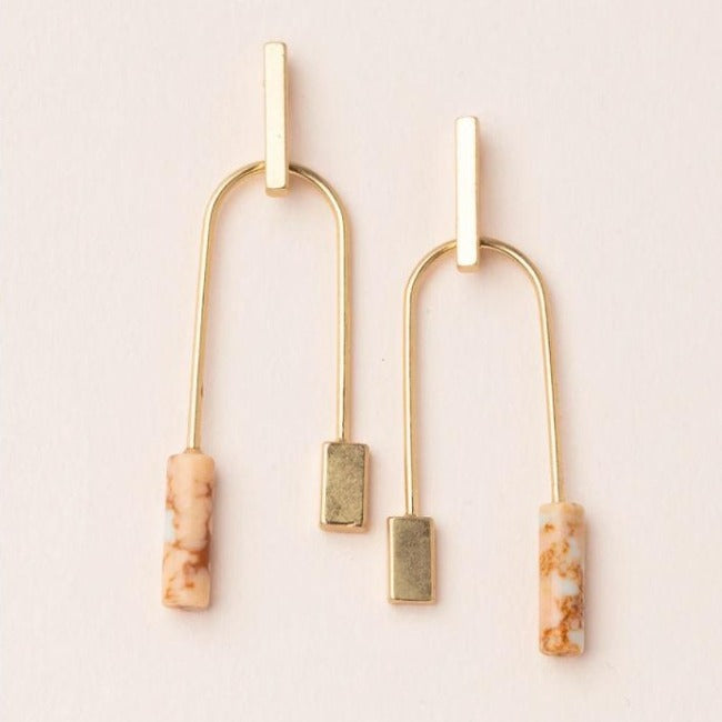 Pink Stone Balance Earrings - Pink Pig
