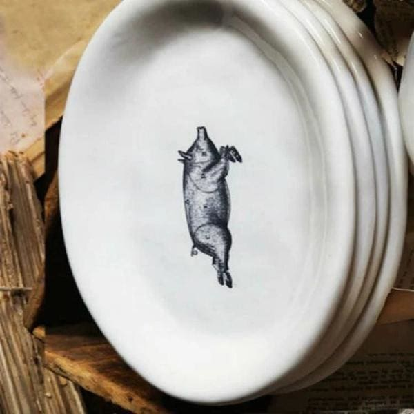 Oval Pig Plates - Pink Pig