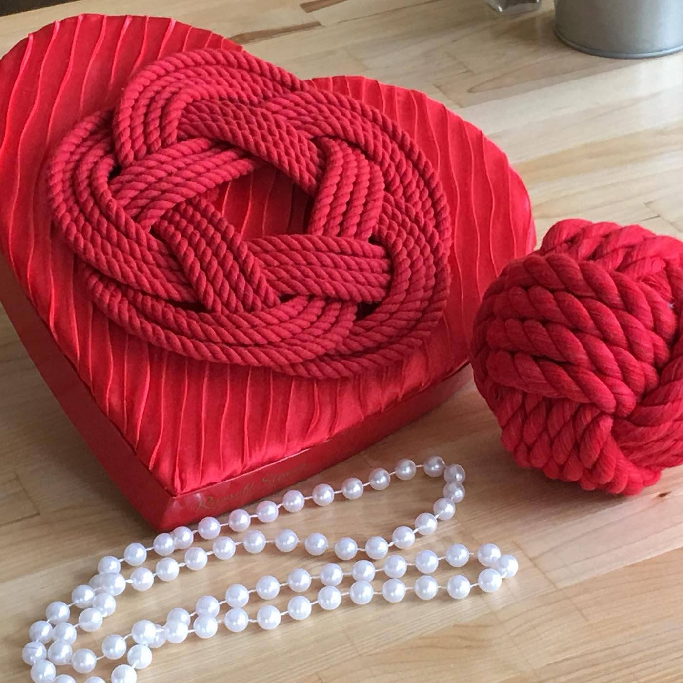 A Knotty Valentine's Day Photo Gallery