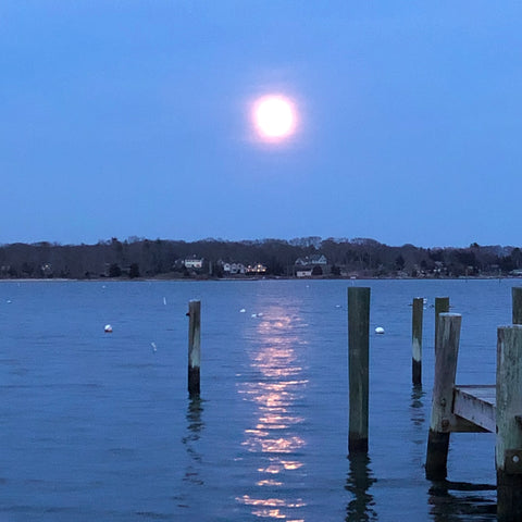 Moon rise in Noank
