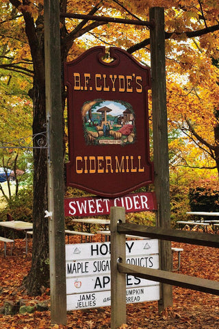 Clyde's Cider Mill sign