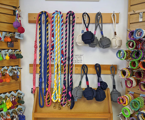 dog_leashes_and_toys