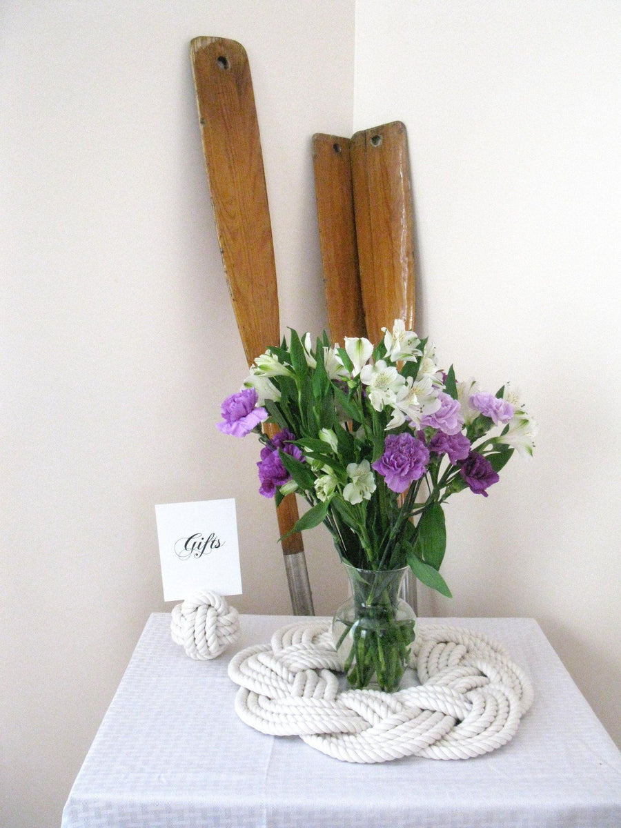 Sailor Knot Wreath or Centerpiece, White, w/ Frame - Mystic Knotwork nautical knot