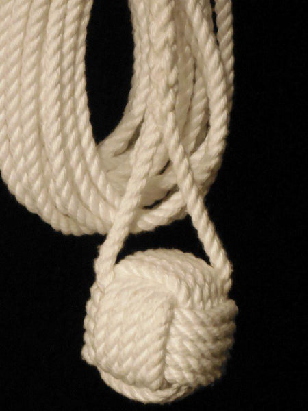 Monkey's Fist Knot on Heaving Line