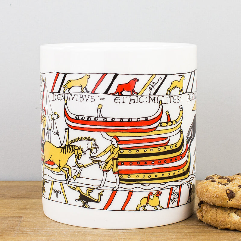 McLaggan Historical Bayeux Tapestry Disembarkation Bone China Gift Mug