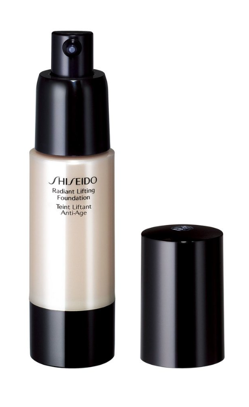 SHISEIDO Radiant Lifting Foundation B60 Natural deep feige - Beautyvonappen.dk