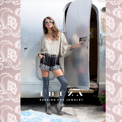 Flores bordadas estampadas encajes moda outfits looks otoño invierno shorts - Blog IBIZA PASSION boho chic luxe fashion