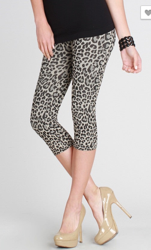 a65b06ec8349c5 Leopard Print Capri Legging – The Plaid Zipper