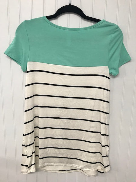 Short Sleeve Color Block and Stripe Mix Top with Lace Crochet Pocket