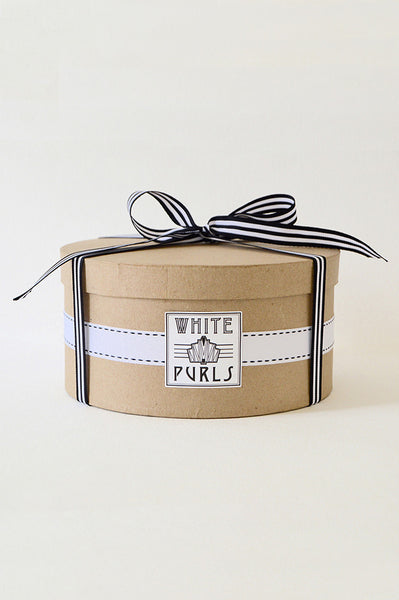 The White Purls Hat Box