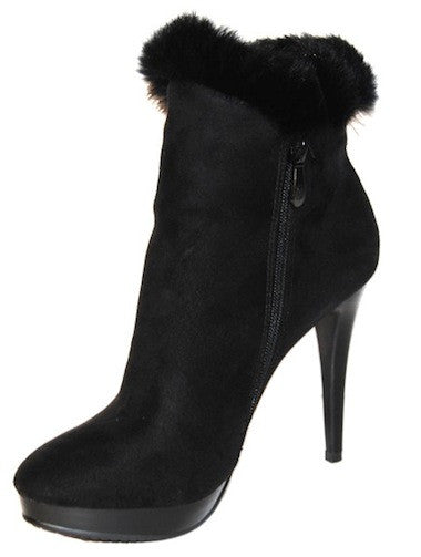 Ankle Boots with Fur and Stylish Button Accessory