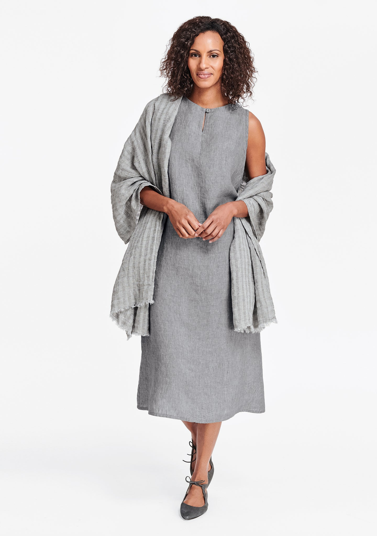 essential wrap grey