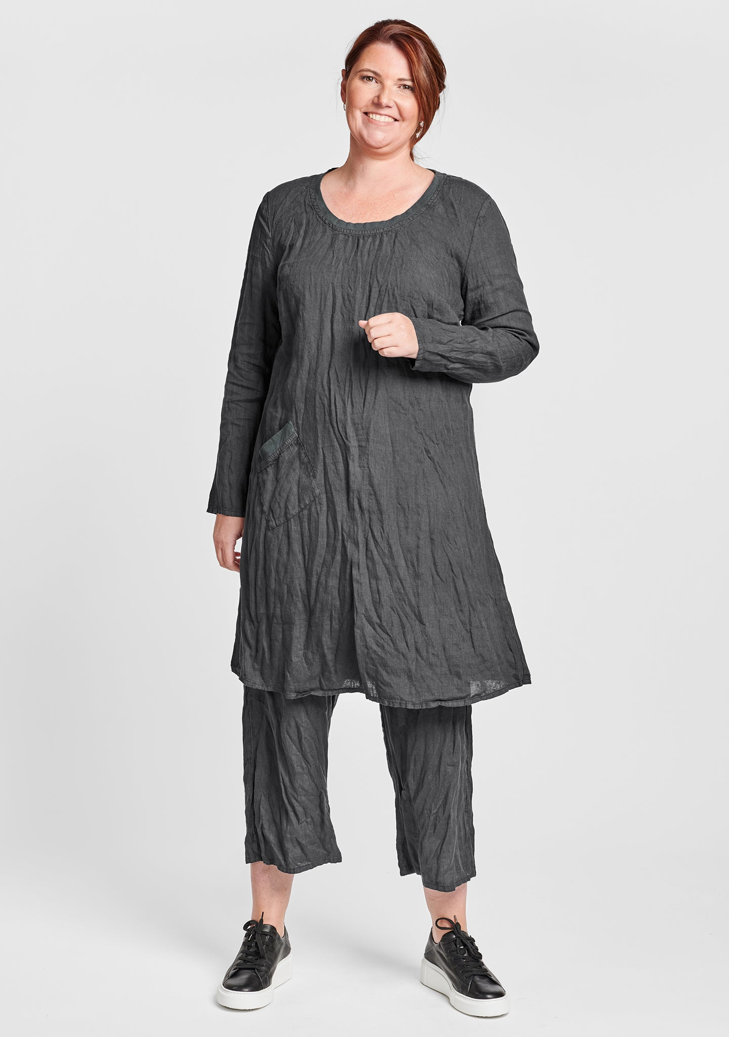 gallery dress long sleeve linen dress black