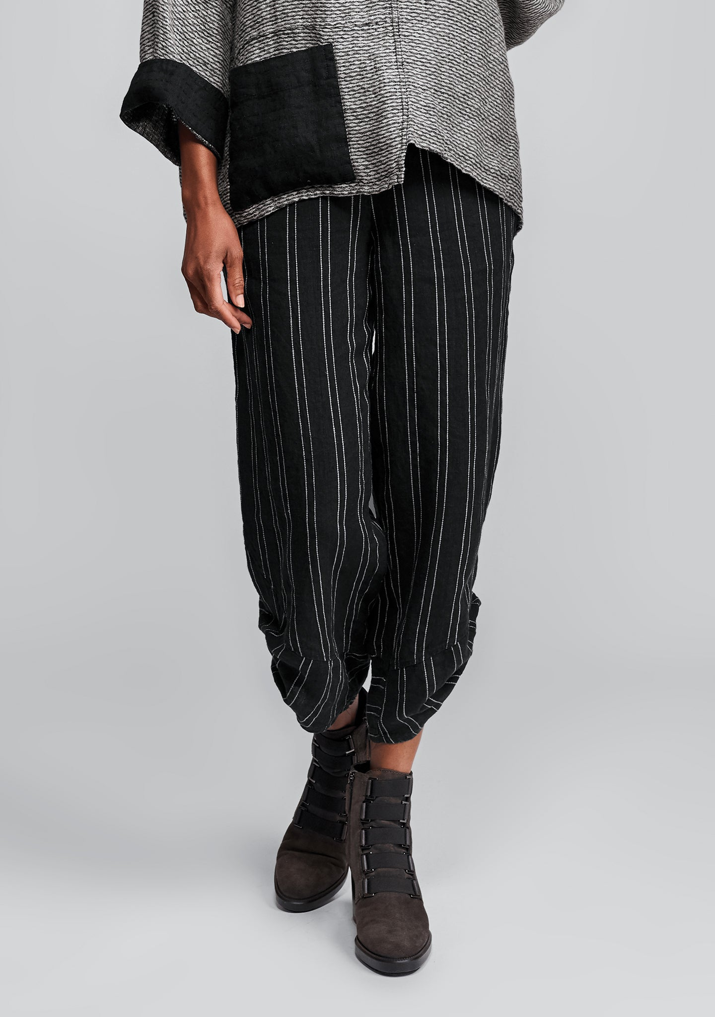 multi-facet pant linen pants black
