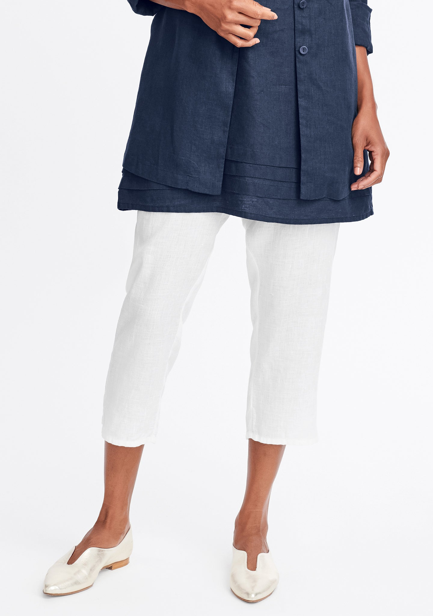 pocketed ankle pant white